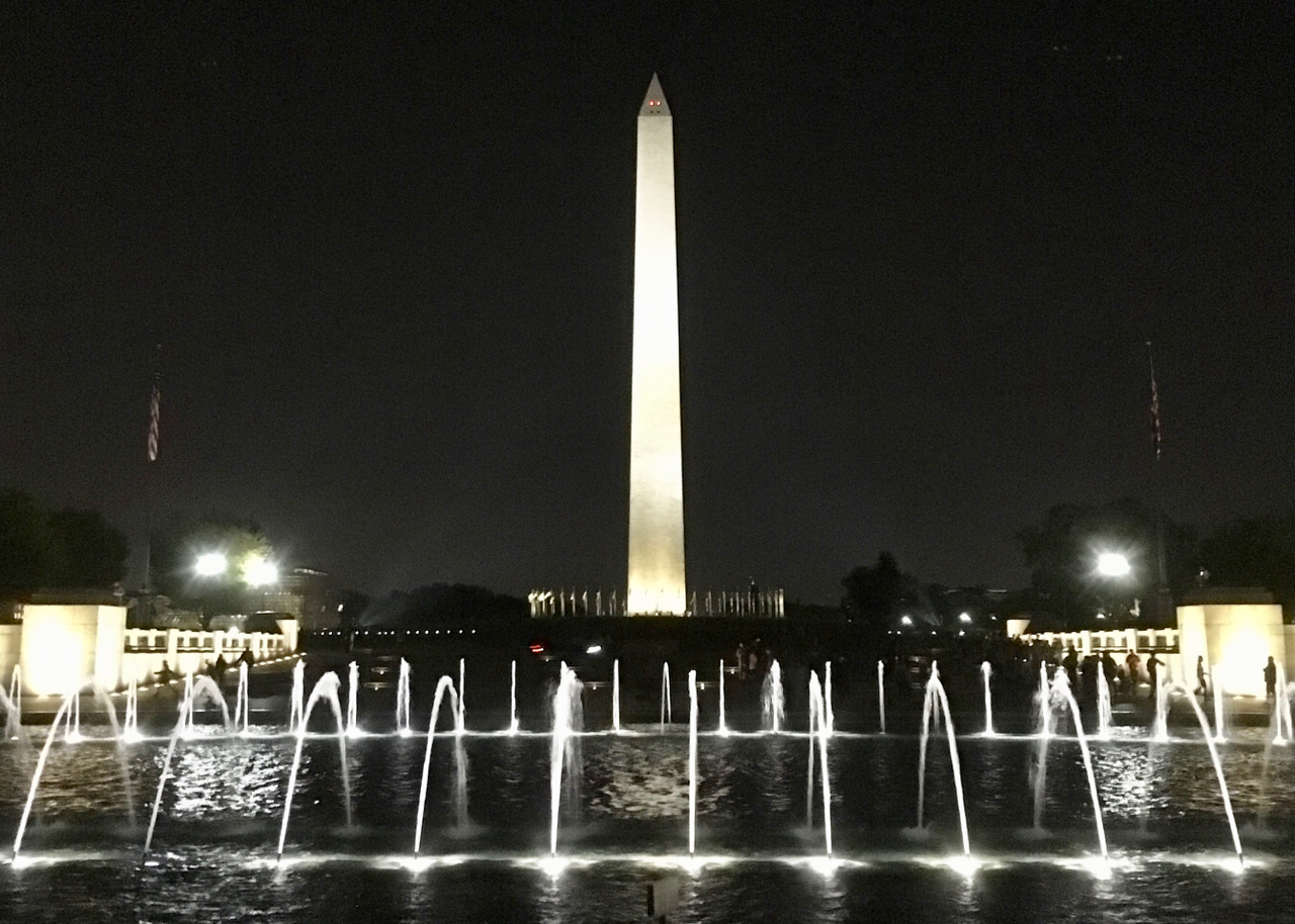WWII fountains w/ Monument